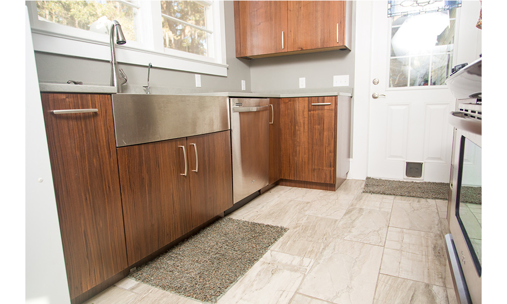 Beautiful The Owners Suite Features Plenty Of Privacy As Well As Large His And Hers Walkin Closets And A Spacious Bath With Separate Vanities A Guest Bedroom On The Other Side Of The Home Enjoys Its Own Separate Space In The Home As Well