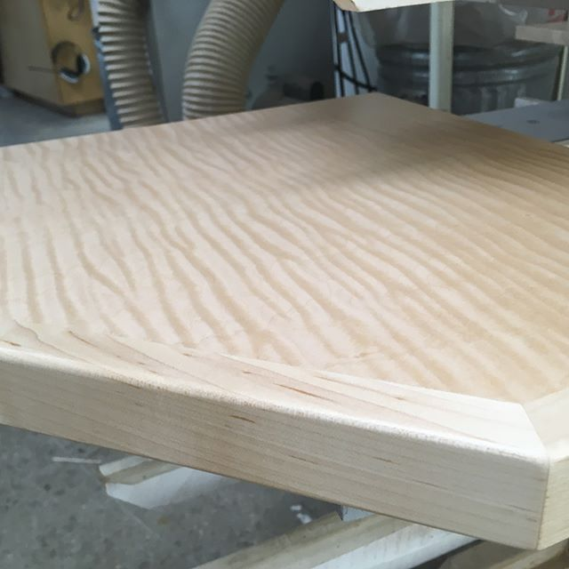 Simple curly maple corner shelf, birds eye panels, quarter sawn maple drawer fronts and door frames. @joshwynneconstruction